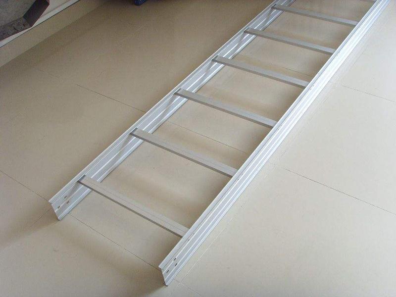 梯级式电缆桥架-002